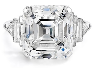 Featured image for 'Engagement Ring Insurance' article