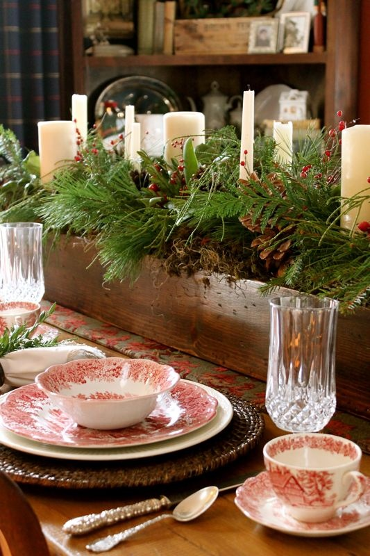 Red Holiday Table Decor - Lisa Sammons Events