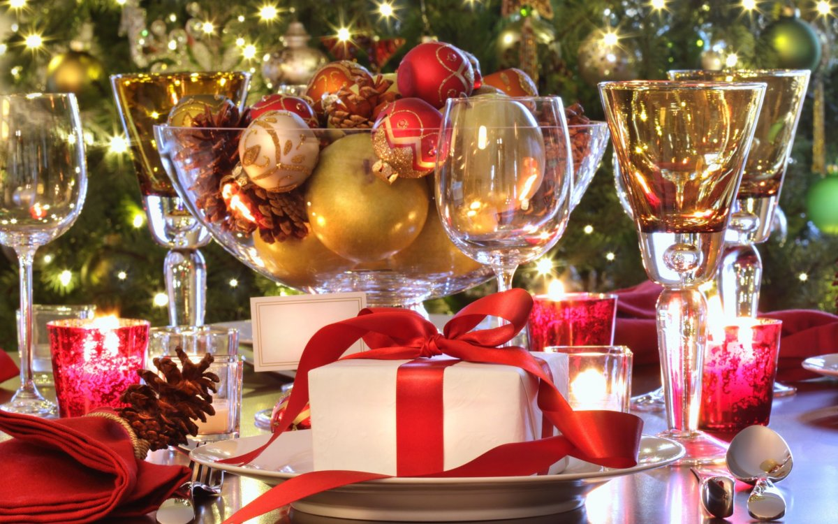 Featured image for 'Holiday Parties-Start planning your Holiday Party' article