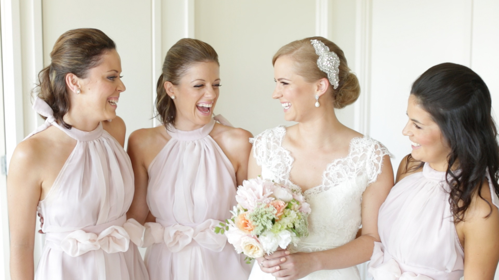 Featured image for 'How to choose your bridesmaid dresses in 5 easy steps' article